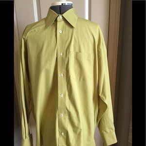 Men's Banana Republic Button down shirt. NWOT